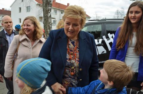 Bruk Hue med Erna Solberg