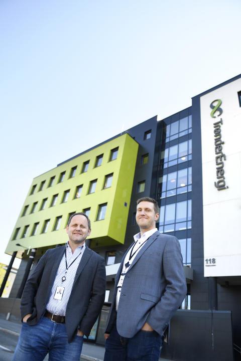 SKYPARTNER: Ståle Risem-Johansen (til venstre), IT-sjef i TrønderEnergi Nett og Alf Håvard Iversen, avdelingsleder for infrastruktur på Trondheim-kontoret, ser frem til digitaliseringsreisen til TrønderEnergi Nett med Sopra Steria som partner.