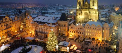 Koe kaupunkilomalla Euroopan upeimmat joulutorit