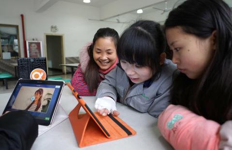 Solidaridad to speak at QuizRR's Information Seminars in China
