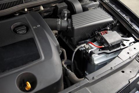 Maintenance of a car battery