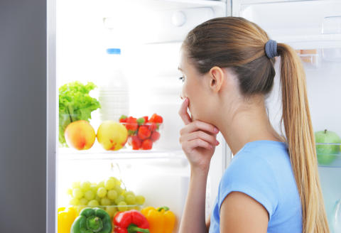 Tomaatti ei kuulu jääkaappiin, eikä maito jääkaapin oveen