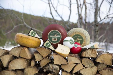 Die Aussteller aus Norwegen haben unter anderem zahlreiche Käsespezialitäten im Gepäck.