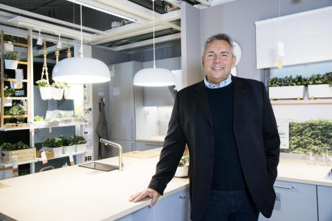 Dennis Balslev i IKEA køkken 2017