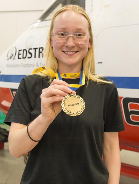 Caroline Söderqvist är svensk mästare i Flygteknik vid Yrkes-SM i Malmö