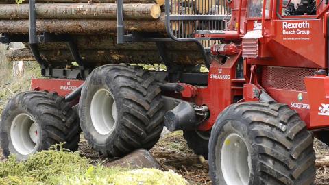 Pendelarmar på skotaren ger bättre förarmiljö och mindre markpåverkan