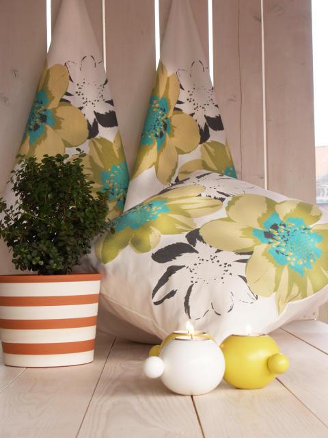 Rotors vårnyheter 2014: nytt vårligt blommönster på handduk och kuddvar