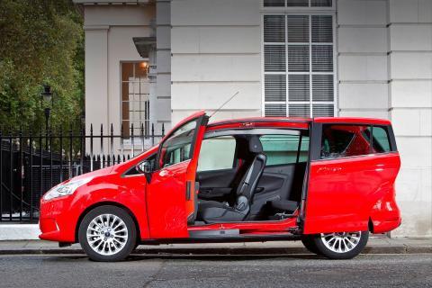 Uudesta Ford B-MAXista on tullut nopeasti Euroopan myydyin kompakti tila-auto
