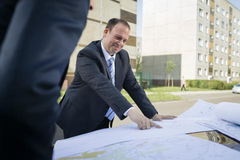 primacom erneuert  Pakt mit der Wohnungswirtschaft:  Verträge für die Versorgung von 67.000 Haushalten im 1. Halbjahr 2015