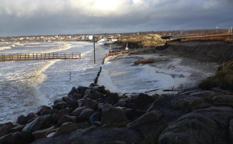 Ansökan om att föra tillbaka sand hänvisas till Mark- och miljödomstolen