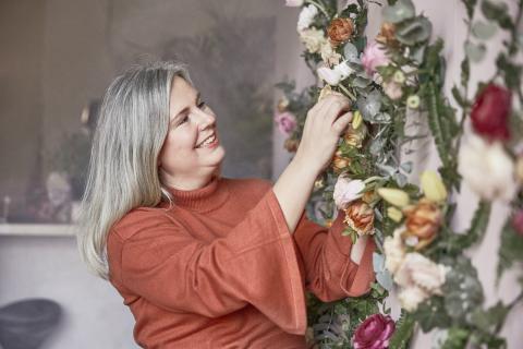 Romantisk lantidyll - En blomstrande tapet