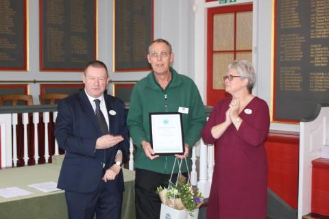Surprise award for dedicated Southern rail maintenance man Dave