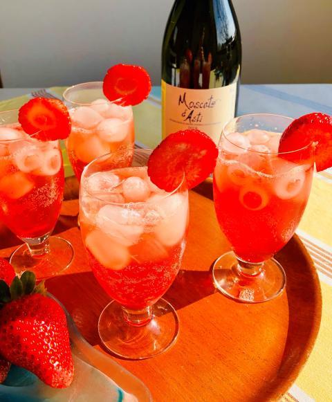 Sparkling Strawberry med Moscato d´Asti 2018