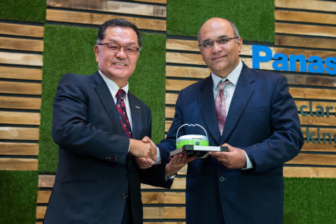 Panasonic Asia Pacific Managing Director Junichiro Kitagawa with Special Guest Mr Ram Bhaskar, Director of Energy Efficiency and Conservation Department, National Environment Agency