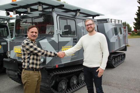 Långväga samarbetspartner besöker Scandinavian Terrain Vehicles