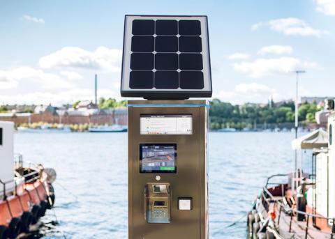 Nya moderna och solcellsdrivna parkeringsautomater