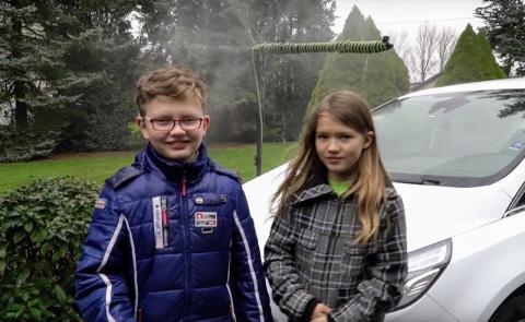 Regenwasser als Scheibenwischwasser – clevere Idee von zwei Geschwisterkindern