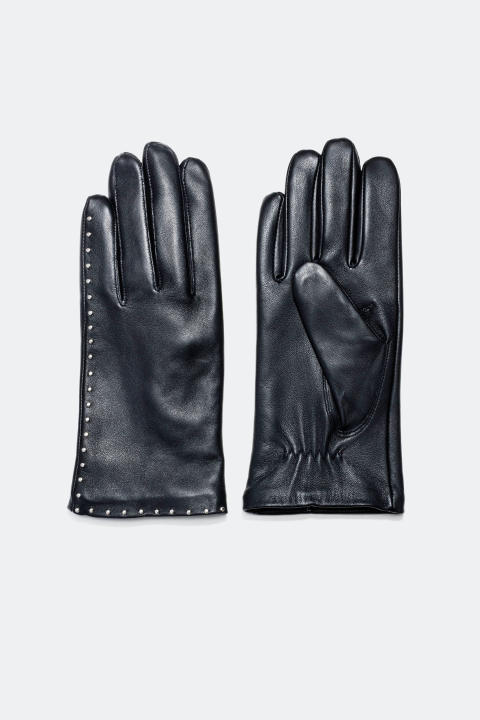 Leather gloves with studs