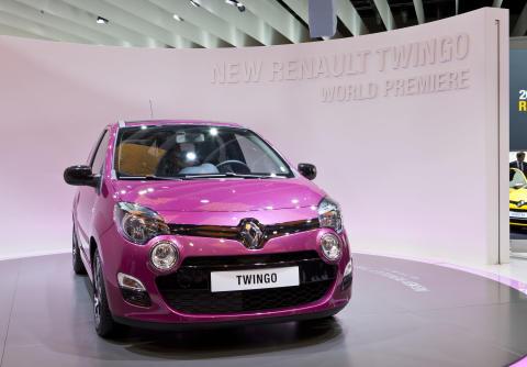 En markant front med et stort logo er del af Renaults nye designfilosofi