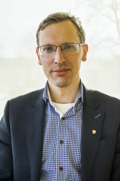 Tekniska verkens styrelseordförande Nils Hillerbrand slutar