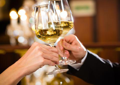 Arvid Nordquist inleder samarbete med MRG Wines och utökar sortimentet med alkoholfria viner signerade Richard Juhlin