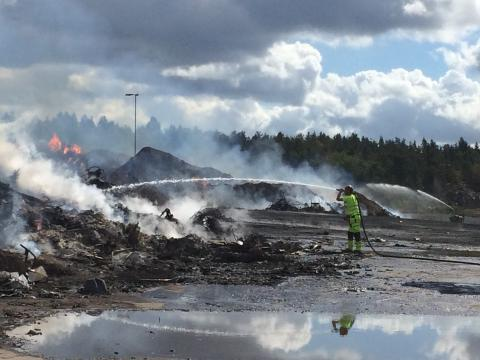 Branden på Lilla Nyby – uppdatering kl 14.45