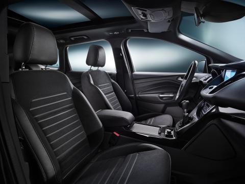 Ford viser ny sportslig og elegant Kuga med SYNC 3. Her med interiørbilde