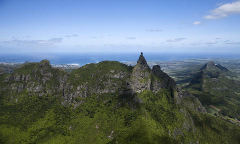 Mauritius_Bergkette mit Pieter Both©MTPA_Bamba