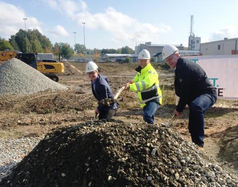 Spaden i jorden – här byggs Växjös nya port till staden.