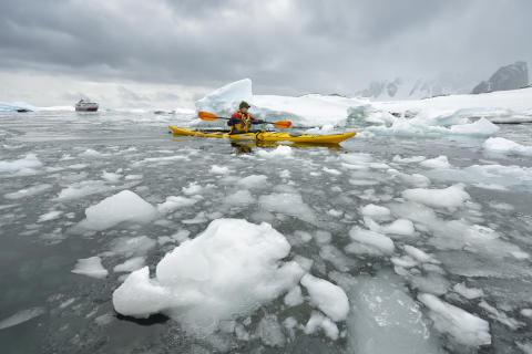 MS-Fram-in-Antarctica©Marsel-van-Oosten