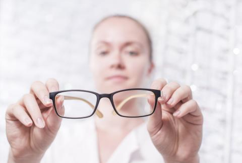 hoya-blog-header-What Eye Care Professionals Should Look for When Selecting Progressive Lenses for Their Practice