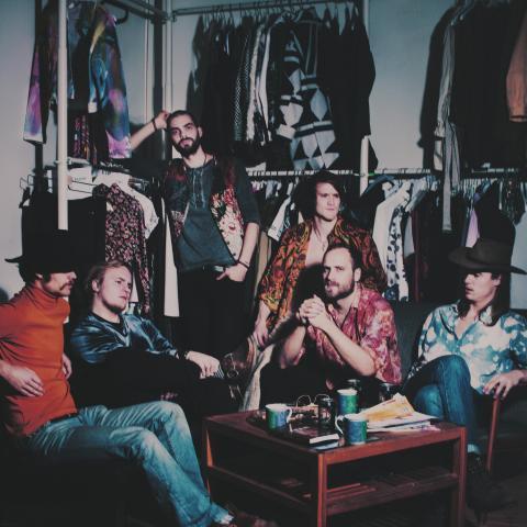 """The Bland har tagit av sig kläderna... Nu på lördag 19/5 är det release för """"Each Bend I Pass"""" på Porter Pelle i Göteborg!"""