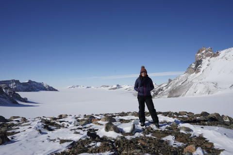 Global channel broadcasts academics' Antarctic footage