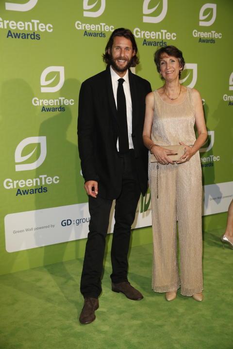 David Mayer de Rothschild und Heike Schiffler prämieren Sieger der GreenTec Awards
