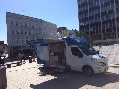 Beratungsmobil der Unabhängigen Patientenberatung kommt am 26. Juli nach Lübeck.