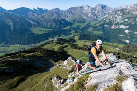 Aller Anfang ist leicht: Klettersteige für Neulinge in der Schweiz