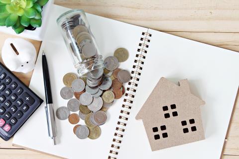 Mer än hälften sparar på bankkonto utan ränta