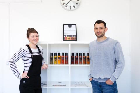 Pam och James är Sauce Shop