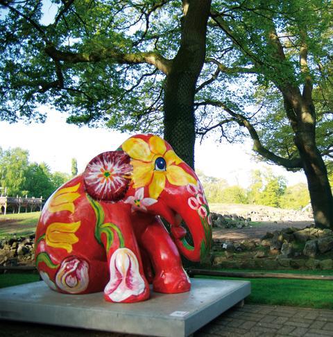 Tulip on Red: Elephant Parade Emmen
