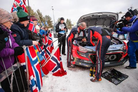 Paddon Rally Sweden 2016 - 1