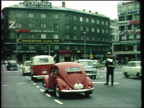 Triangeln, trafik. Från Här & Då - historisk film på stan under Nordisk Panorama