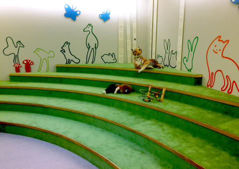 PRESSINBJUDAN: Huvudbiblioteket i Kalmar inviger nytt sagorum