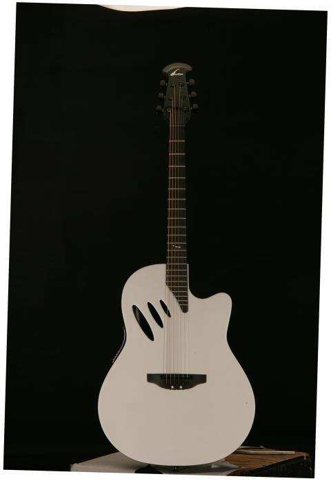 Ovation Idea Gitarr2