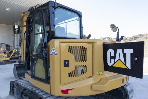 Cat 308 CR. Nytt bakparti med öppningsbara luckor