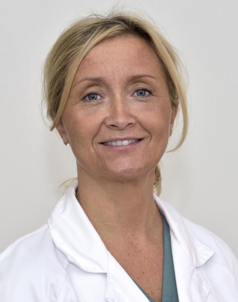 Pernilla Dahm-Kähler uppmärksammas för enastående insatser inom gynekologisk kirurgi
