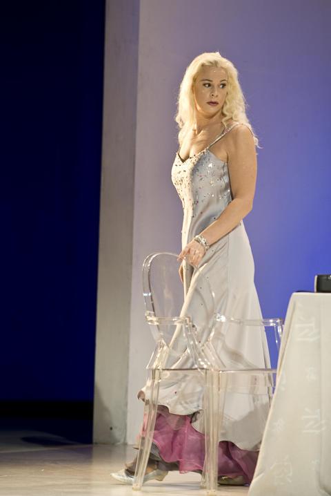 Askungen med Malena Ernman på bio