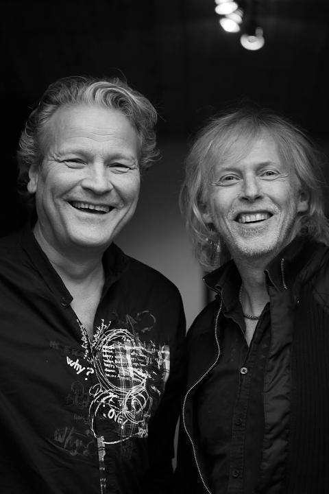 No Fingers Crossed - Lasse Risberg, Michael Nilsson