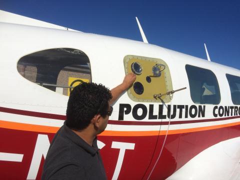 Sulphur-detecting plane