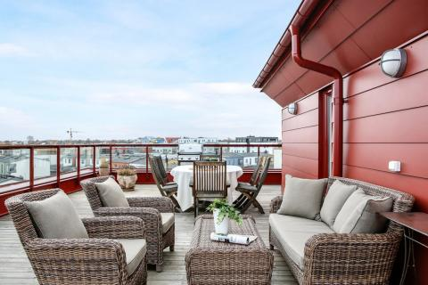 Här kan du välkomna våren med 100-kvadratmeter terrass