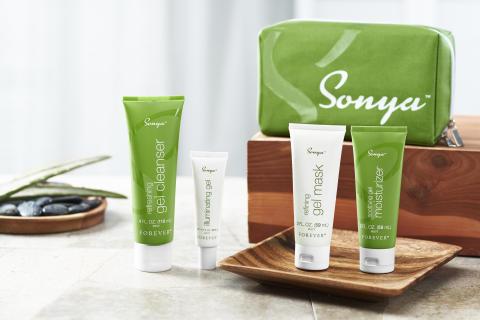 Sonya_Group_with bag